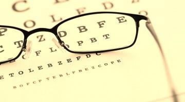 Problemas de visão como efeito secundário do Nolvadex e do Clomid